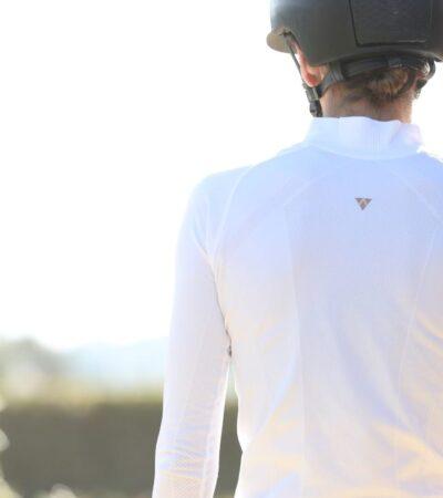 Anique sun shirt in white.